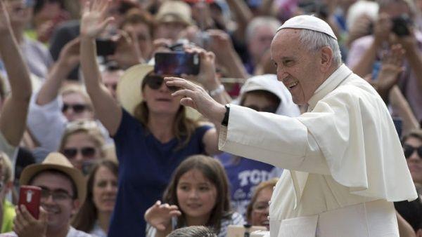 """Papa insta a """"un minuto de paz"""" por el mundo para este jueves"""