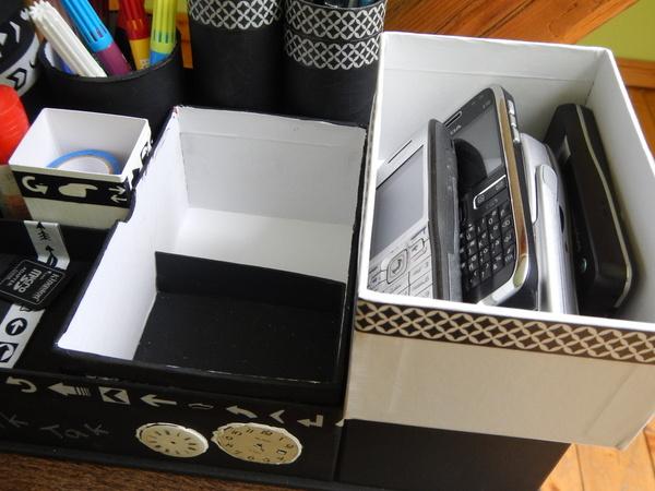 Skrytka w organizerze z pudełek