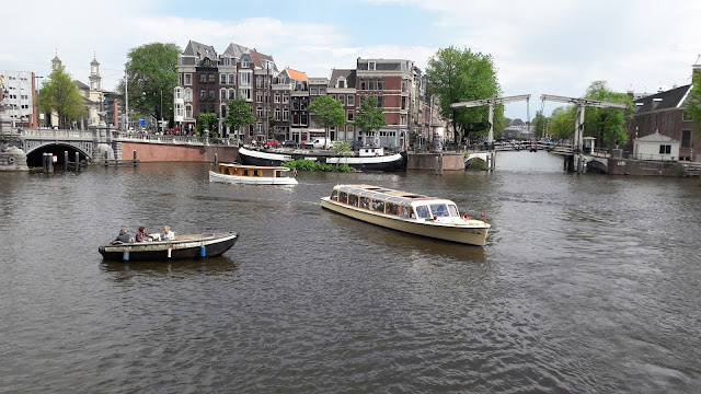 Amstel River - Tours through the canals of Amsterdam