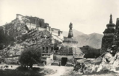 http://www.dailymail.co.uk/news/article-1317360/Tibet-1903-photographs-secret-kingdom-auctioned-off.html