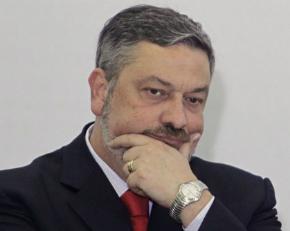Ministro do STF nega pedido de liberdade a Antônio Palocci