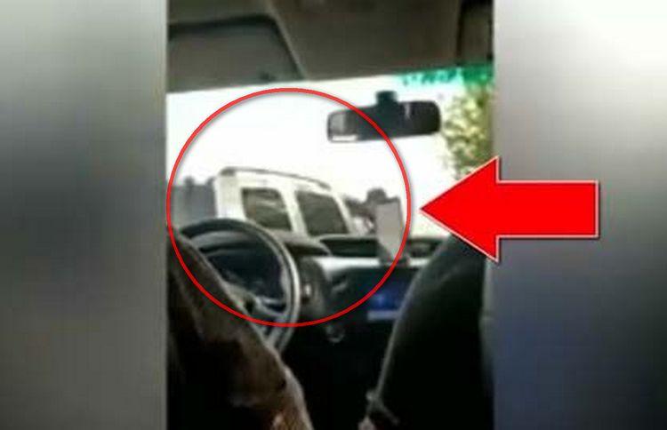 VIDEO: Sicarios del CDN exigen cuota de 200 dolares en carretera de Nuevo Laredo.