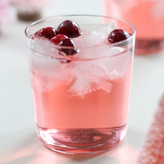 JINGLE JUICE HOLIDAY PUNCH #Juice #Holiday