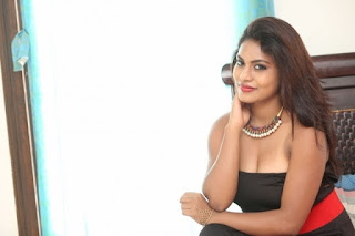 Priya Augustin in Sleeveless Cropt Top
