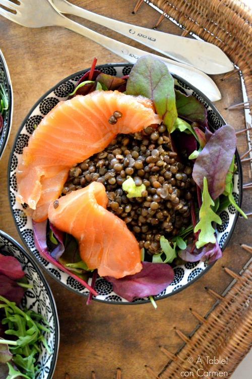 http://www.atableconcarmen.com/2016/03/lentejas-caviar-con-salmon-marinado-y.html