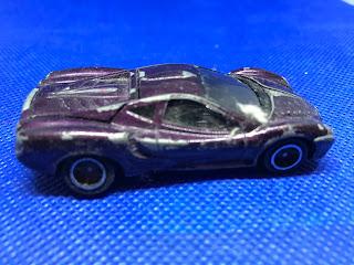 光岡自動車 オロチ のおんぼろミニカーを側面から撮影