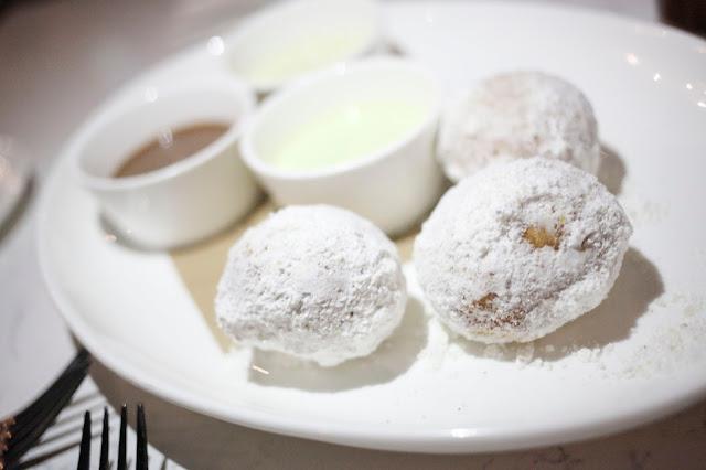 Bomboloni at IL DESCO aka fancy donuts
