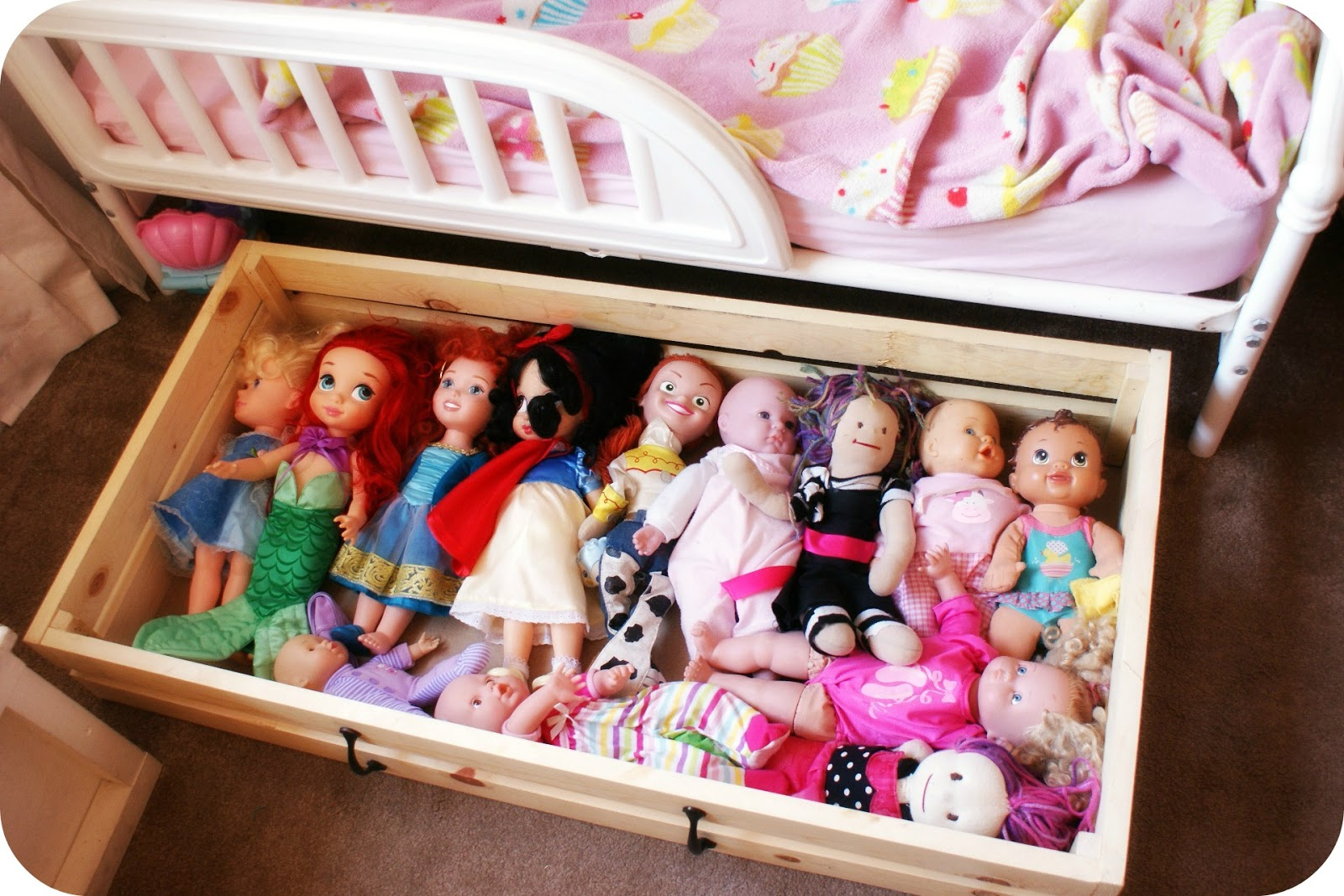 Merveilleux I Heart My Glue Gun Diy Doll Storage