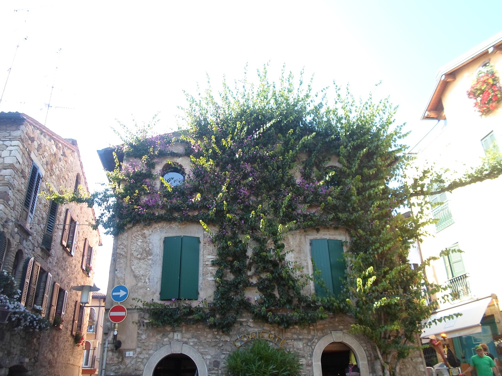 Pittoresque house in Sirmione, Lago di Garda | Funky Jungle