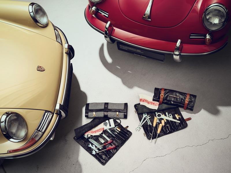 เอเอเอสฯ คือผู้เชี่ยวชาญตัวจริงด้านการดูแลรถยนต์ปอร์เช่รุ่นคลาสสิก     Porsche Classic Service Clinic กิจกรรมตรวจเช็คและดูแลรถยนต์ปอร์เช่รุ่นคลาสสิก สานต่อตำนานปอร์เช่ ให้โลดแล่นบนท้องถนนอย่างไม่มีที่สิ้นสุด