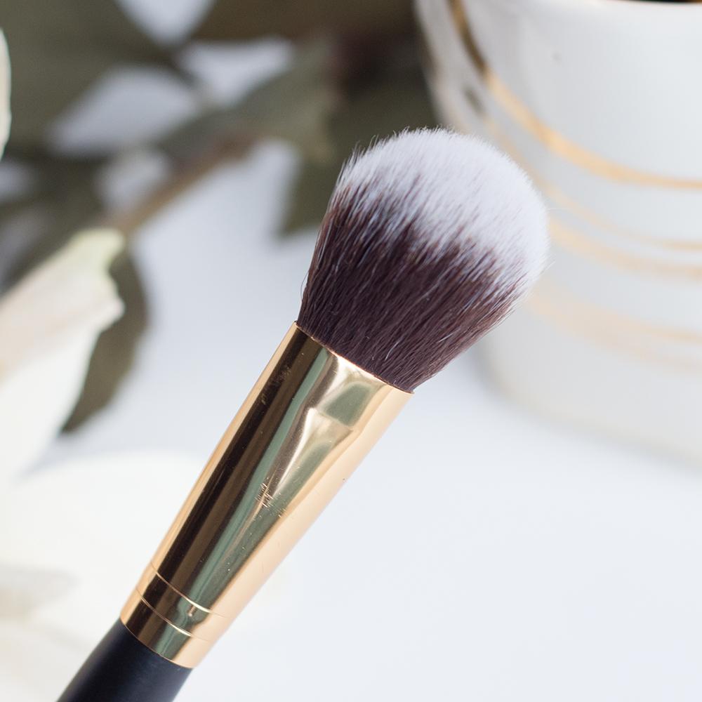BH Cosmetics Sculpt & Blend 2 Precision Blush Brush