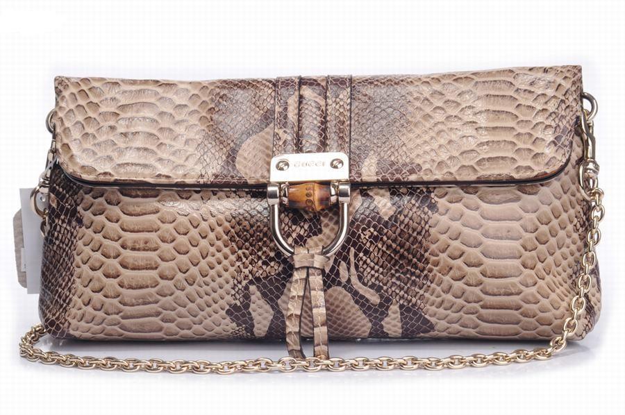 moda  cómo comprar más bolsas de Gucci 8ae72e2e3b2