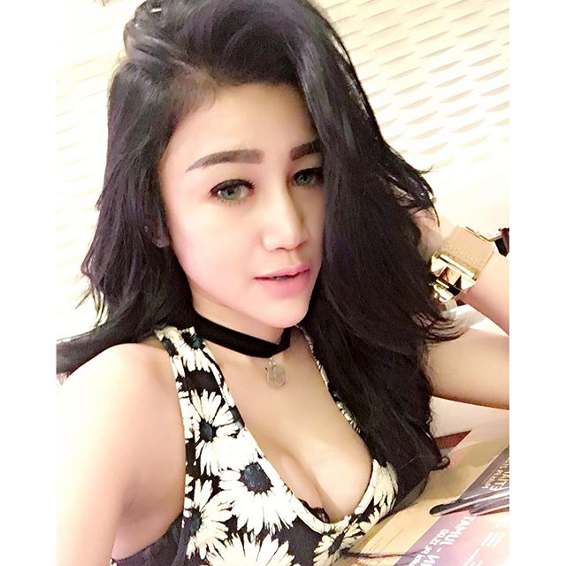 Image Result For Baby Margaretha Seksi Photoshoot Dress Bunga Terbaru