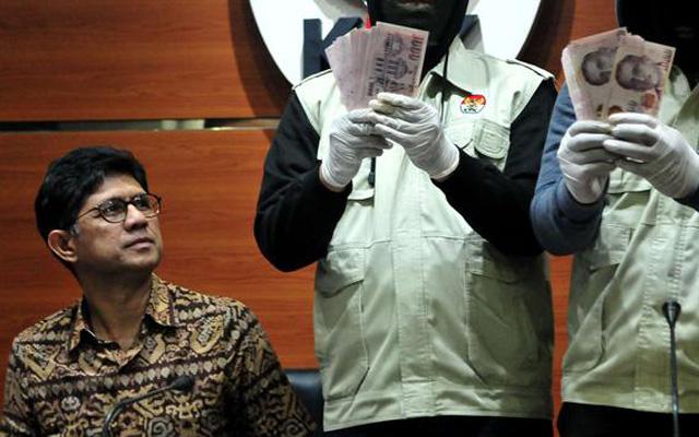 Ketua Pengadilan Tinggi Manado Diberhentikan