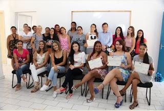 Fundo Social de Solidariedade realiza cerimônia de entrega dos certificados dos Cursos do Polo da Beleza