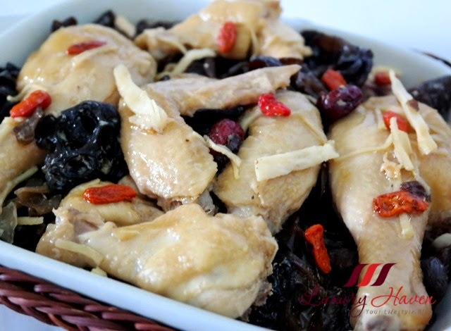 cooking with chinese angelica roots black fungus wolfberries