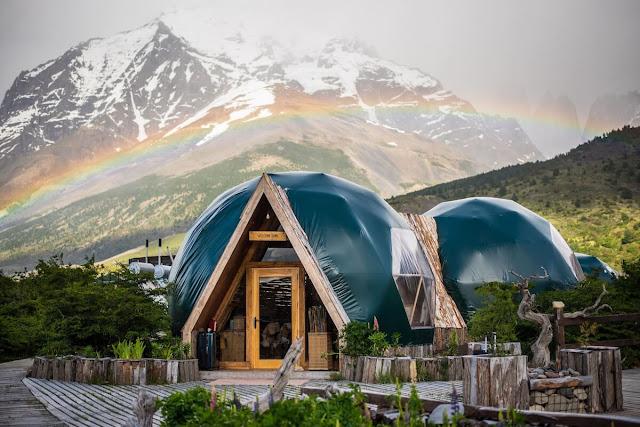 Peru Eco Camp là hoạt động trải nghiệm lối sống bền vững, thân thiện với môi trường được tổ chức lần đầu tiên tại Peru vào năm 2018. Khu cắm trại này sở hữu các vườn hữu cơ, sử dụng năng lượng mặt trời và nguồn nước tự nhiên, mang lại cho du khách một trải nghiệm lối sống xanh và ít tác động đến môi trường nhất có thể.
