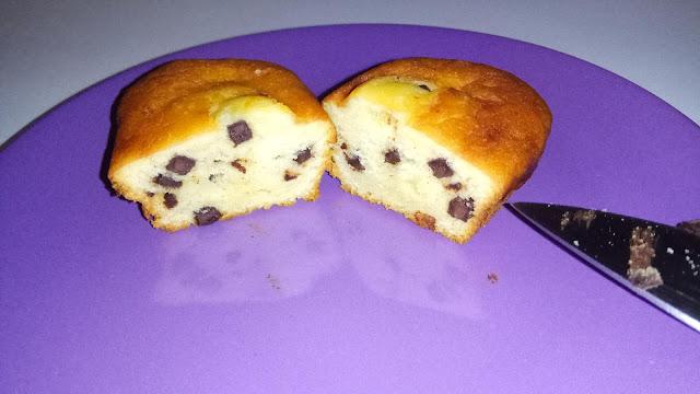 Czekoladowa babeczka Choco Tappuri Choco Chip Cake z Japonii
