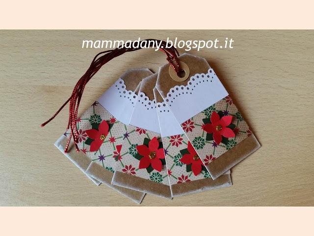 tags chiudi-pacco di natale con stella rossa e pizzo bianco