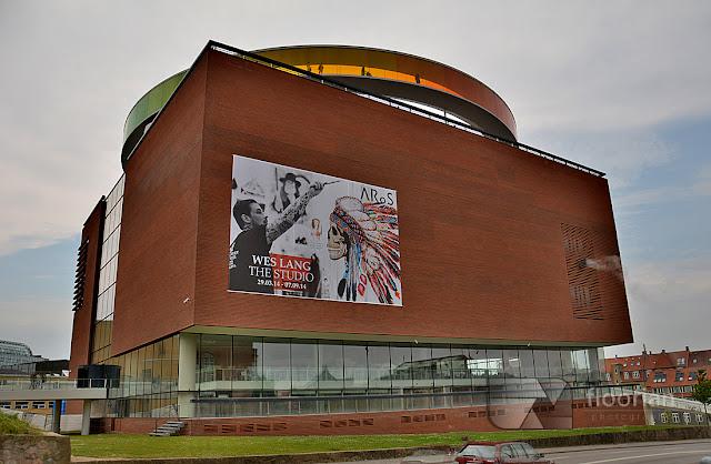 Muzeum Sztuki Współczesnej ARoS - największa atrakcja turystyczna w Aarhus w duńskim Aarhus