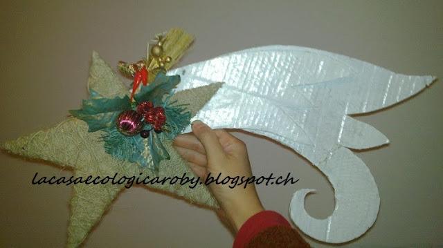 Riciclo di cartone e decorazioni natalizie