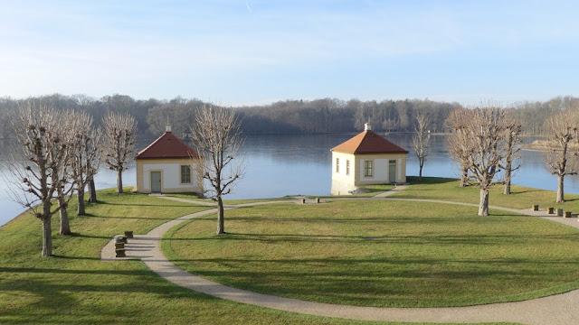 Schloss Moritzburg - Park mit See