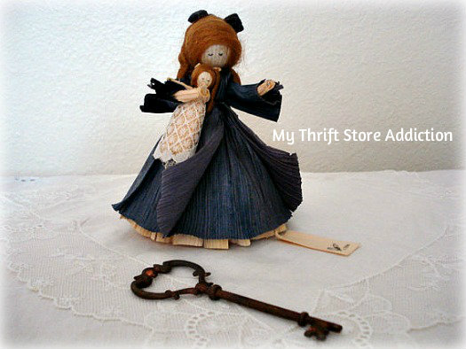 Friday's Find: Collectible Corn Husk Dolls mythriftstoreaddiction.blogspot.com Vintage Nan's Amy with Doll