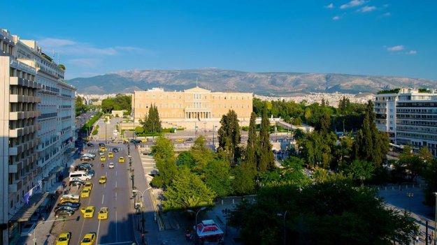 SZ: Χάρτινος πύργος η Ελλάδα μετά το τέλος του προγράμματος