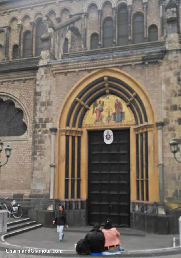 Churches in Germany: Bonner Münster (Door)