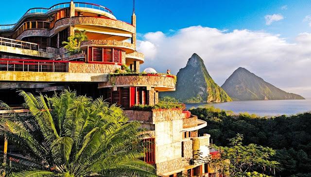 http://www.katasaya.net/2016/05/lima-hotel-paling-unik-di-dunia.html
