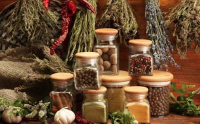 إستعمالات غريبة وغير متوقعة للتوابل , بهارات  condiment spice seasoning dressing
