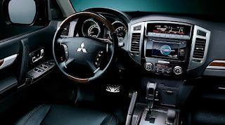 Mitsubishi Pajero Interiors specs: Entertainment Specs