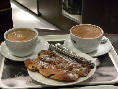 Cafea si mic dejun