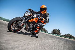 KTM-790-DUKE-Scalpel-frontal