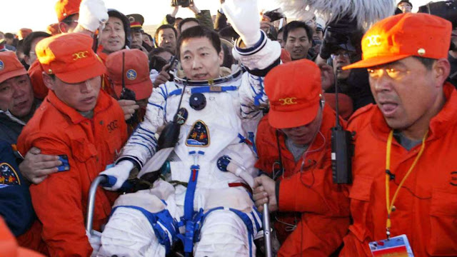 Creepy Story of Chinese Astronaut Who Claims He Heard a Knock on the Ship While in Space. Must Read!