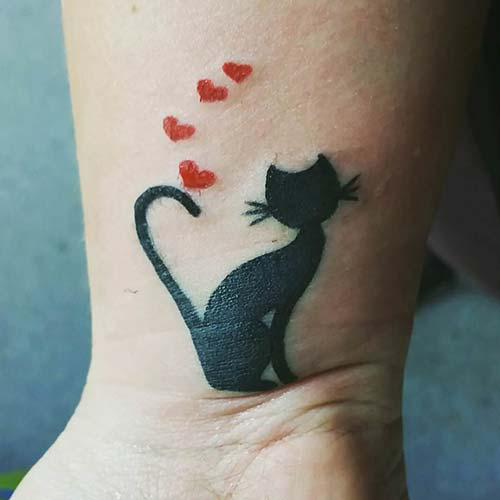 sevimli kesi bilek dövmeleri bayan cute cat wrist tattoos for women