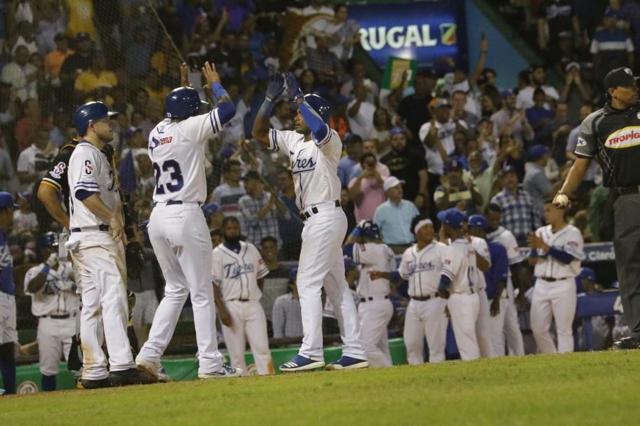 Licey y Toros provocan triple empate en el béisbol dominicano
