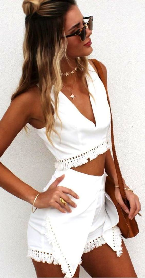 amazing summer outfit idea / white set and bag