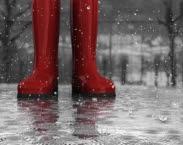 Foto stowa.nl. Laarzen in de regen. Bericht: Regenwater als bron voor drinkwater in Nederland: een haalbare kaart?
