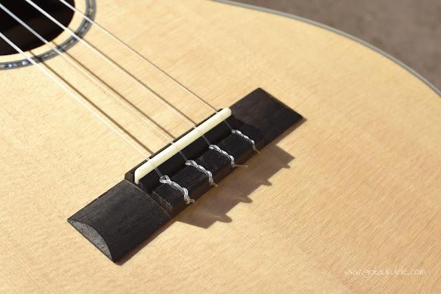 Ohana BK-70 Baritone ukulele bridge