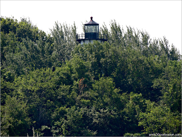 Boston Harbor Islands: Faro de Long Island