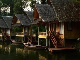 Harga Paket Menginap Tahun Baru Di Kampung Sampireun Garut 2017