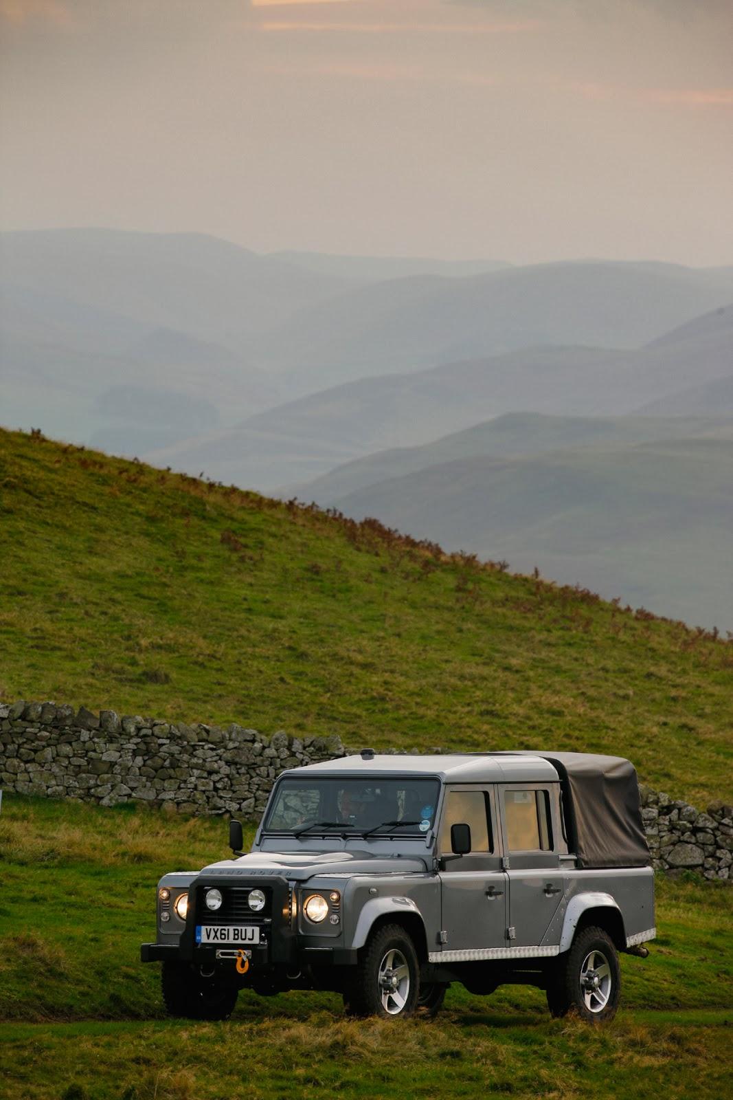 © Automotiveblogz: 2012 Land Rover Defender 110 Double Cab