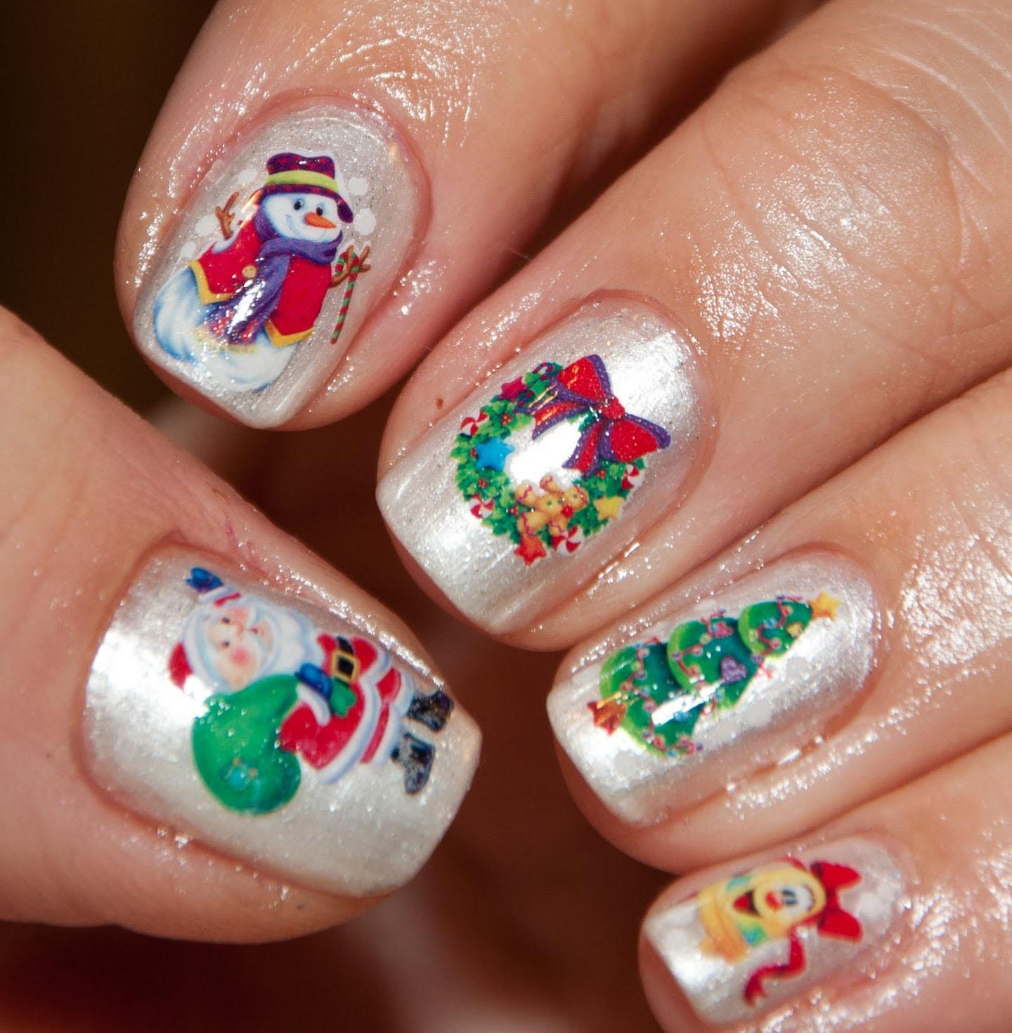 Xmas Nail Polish Ideas: Women Beauty Tips: 10+ Sizzling Christmas Nail Polish Ideas