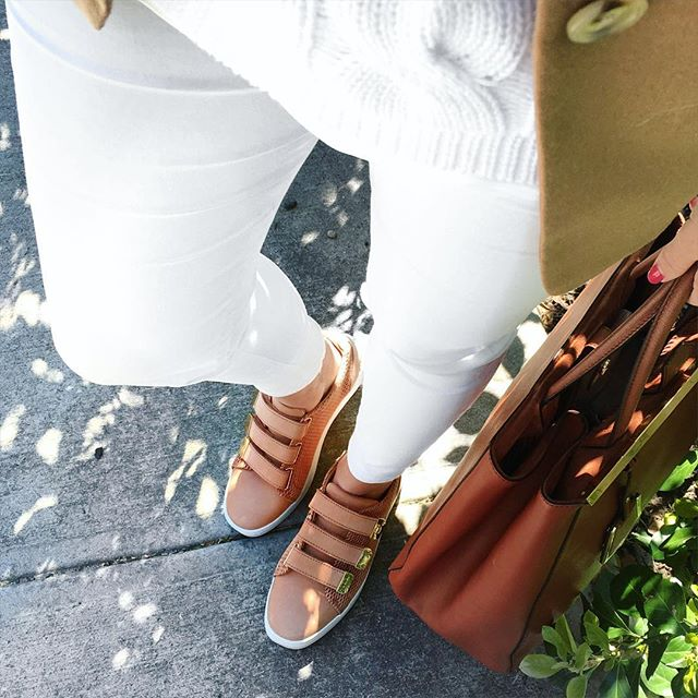 Krista Robertson, Covering the Bases, Travel Blog, NYC Blog, Preppy Blog, Style, Women's Fashion Blog, Fashion, Fashion Blog, Providence, Rhode Island, Spring Style, Spring Fashion, Fashion Staples, Classic Style, Outfit of the Day, Shopping, Instagram
