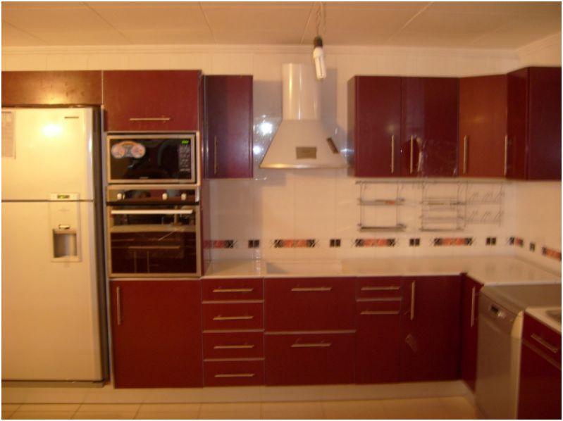 cuisine design algerie pr l vement d 39 chantillons et une bonne id e de concevoir. Black Bedroom Furniture Sets. Home Design Ideas