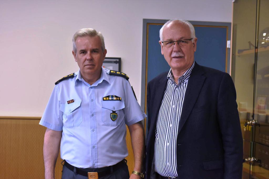Επίσκεψη Απ. Καλογιάννη και υποψηφίων της Συμπαράταξης σε Μέγαρο Αστυνομίας και Πυροσβεστική (ΦΩΤΟ)