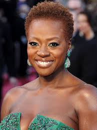 Actress Viola Davis with natural hair