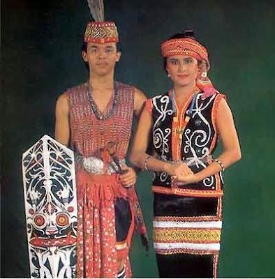 Provinsi Kalimantan Barat - Pakaian Adat Tradisional Perang