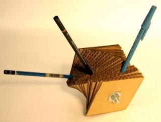 Kotak Pensil / Pen Holder dari kardus bekas